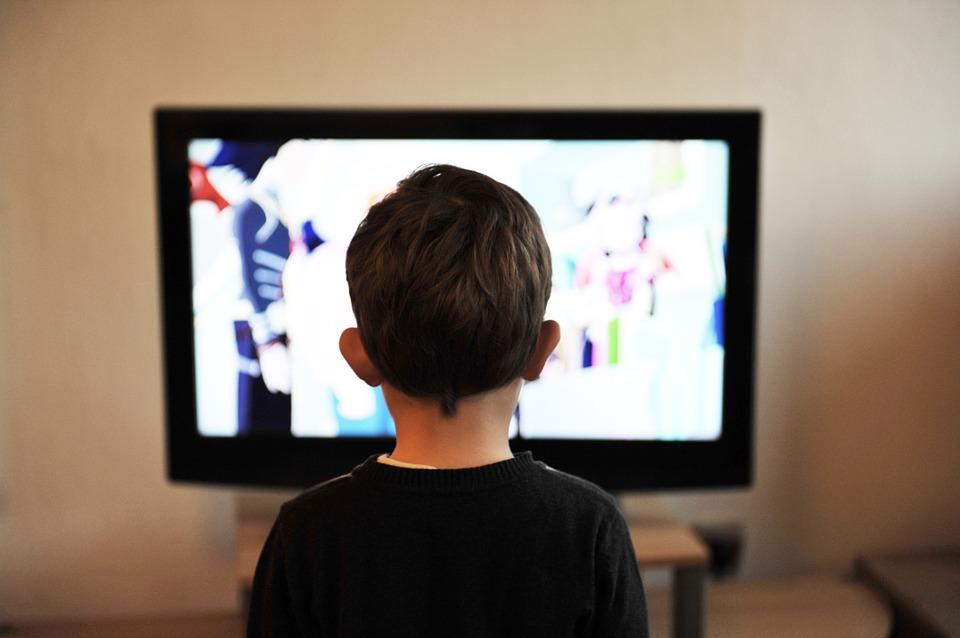 Ребенок и телевизор кто кого
