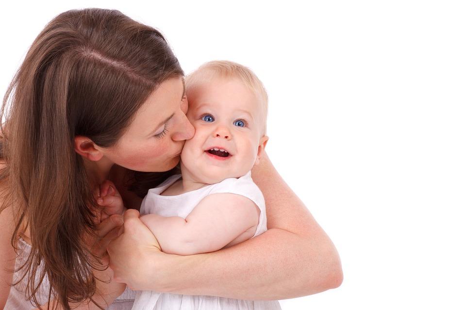6 дел после рождения малыша, в которых маму не заменит никто