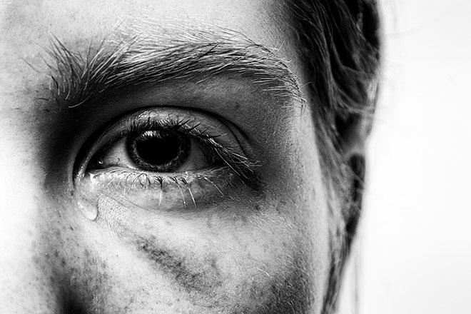 Можно ли взрослым плакать при детях? И как делать это правильно?