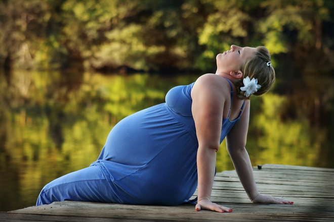 5 советов беременным, как избежать отеков летом