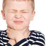 Что делать, если у ребенка болит горло