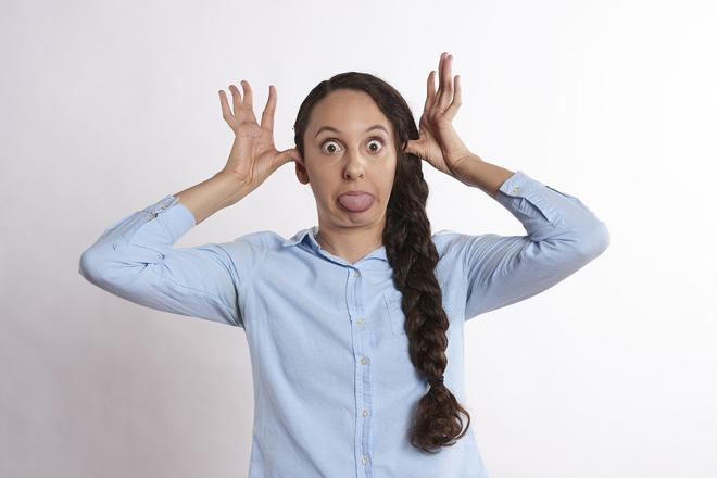 Пять фраз, выдающих глупую женщину